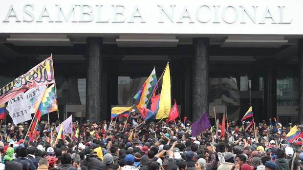 Se profundiza la crisis politica en Ecuador