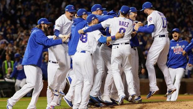 ¡Cubs hacen historia y Chicago se desborda en fiesta!