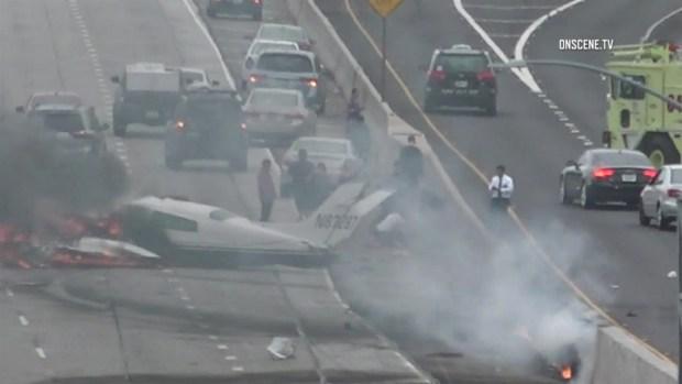[TLMD - LA] Avioneta se estrella en la autopista 405