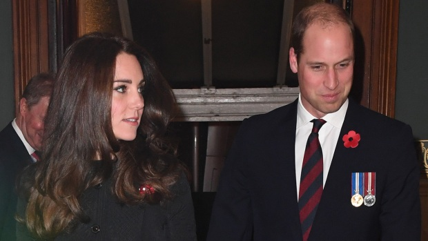 Revelan por qué Kate Middleton y William no se toman de las manos