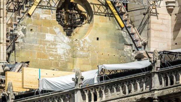 [TLMD - NATL] Hallan colillas en andamios cerca del incendio de Notre Dame