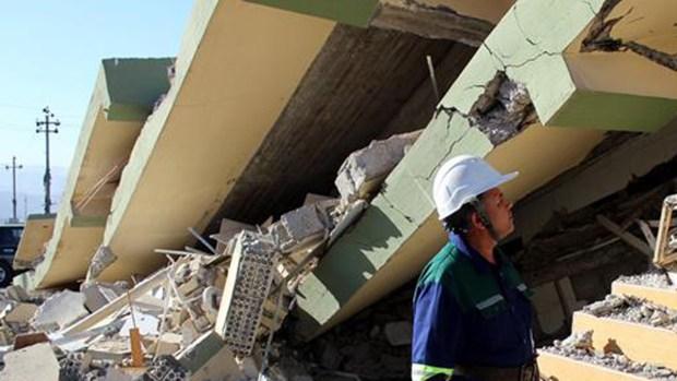 Horror: fuerte terremoto deja muertos, heridos y destrucción