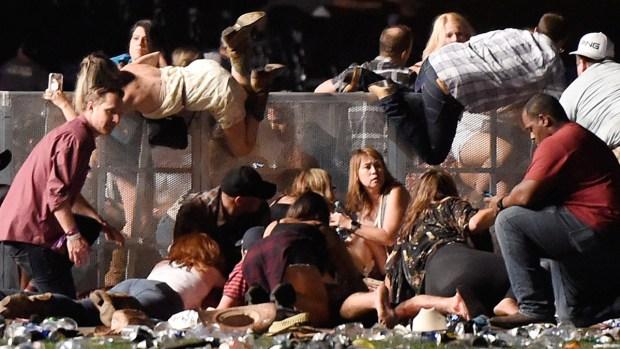 Infierno de balas en Las Vegas causa la peor masacre en EEUU