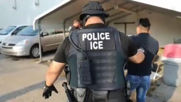 Lo último sobre la histórica redada donde ICE detuvo a 680 inmigrantes
