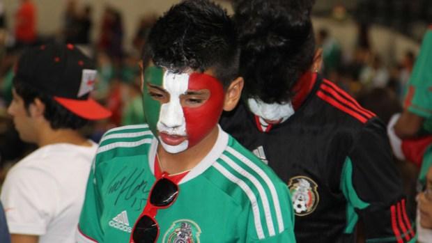 Estadio vaquero se llena del folklore mexicano