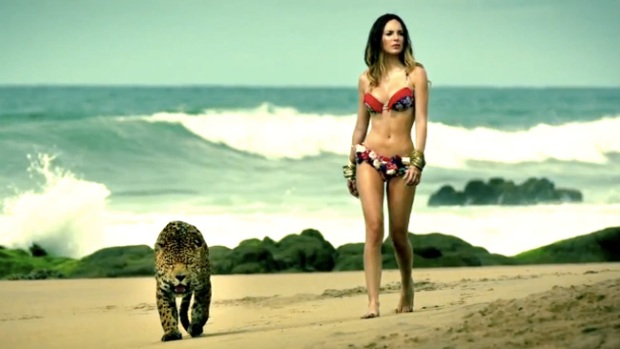 Video: Belinda, ¡playa, cuerpo y bikini!