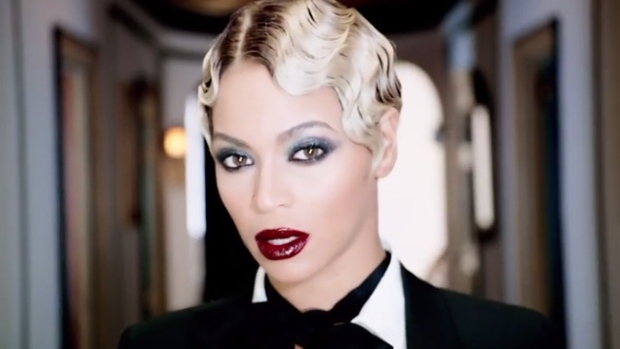 Video: Beyoncé sorprende al mundo con álbum