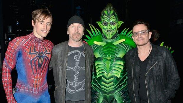 """Video: Bono augura buen futuro a """"Spider-Man"""""""