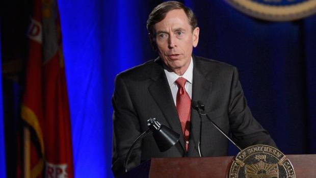 Video: Petraeus pide disculpas por amorío