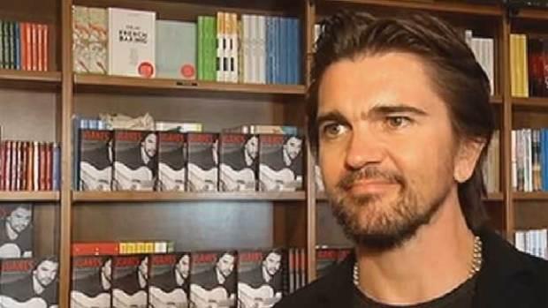 Video: Juanes presenta su autobiografía
