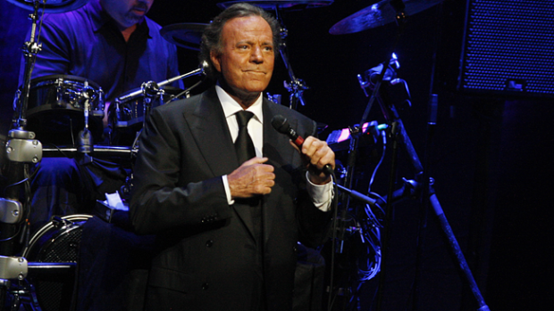 Video: Preocupa la salud de Julio Iglesias