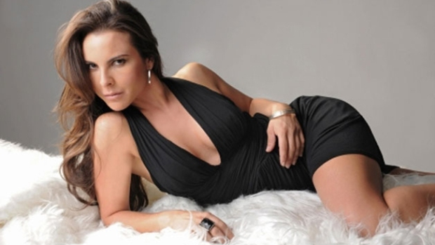 Video: El espectacular árbol de Kate del Castillo