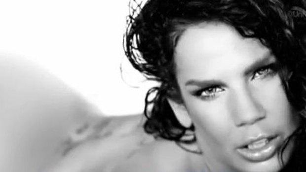 Video: Niurka Marcos se desnuda