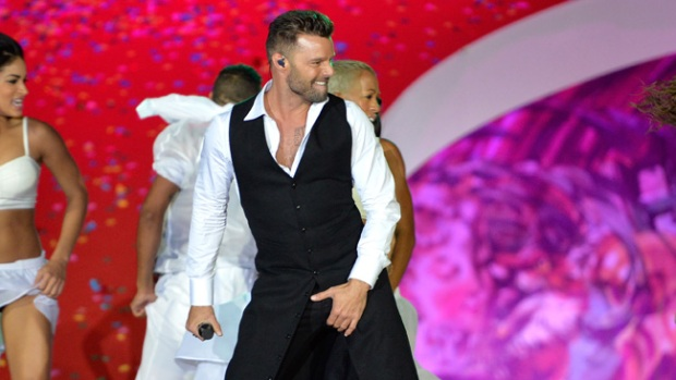 Video: Ricky Martin por fin le canta al amor gay
