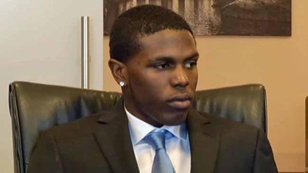 Video: Pide $40 millones en compensación