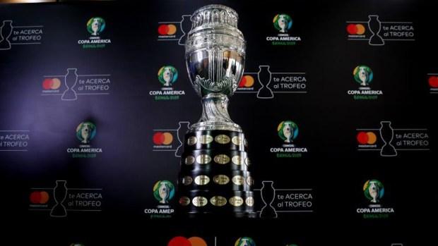 El trofeo de la Copa América sale de gira