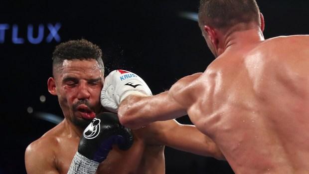Sangrienta pelea termina con polémica decisión