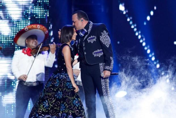 [TLMD - MIA] Pepe Aguilar junto a su hija Angela