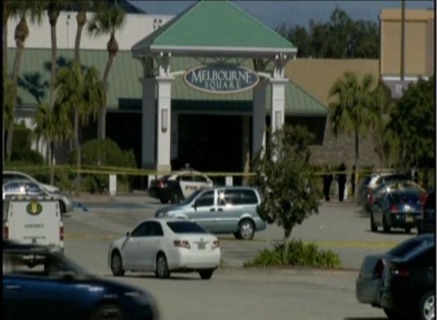 Video: Dos muertos tras tiroteo en mall de Florida