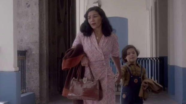 Alberto aparece, pero su madre lo entrega de nuevo