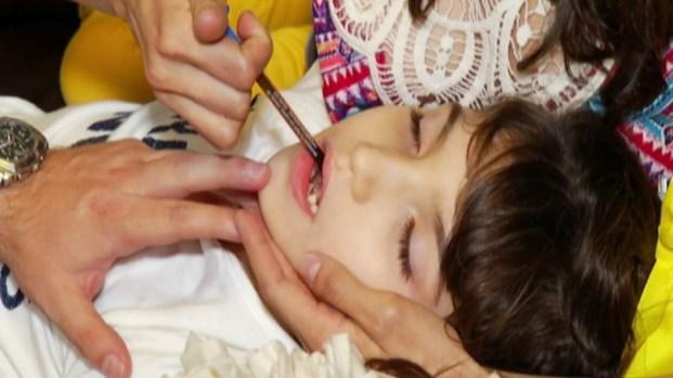 Niña se beneficia del uso medicinal de la marihuana