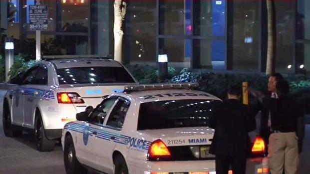 [TLMD - MIA] Investigan presunto homicidio en Miami