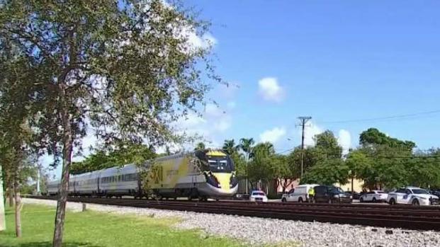 [TLMD - MIA] Tren Brightline atropella a peatón de Miami
