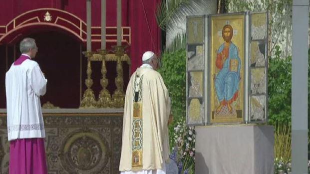 El Papa celebra la misa de Pascua