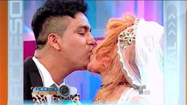 """Se casa """"La Tigresa del Oriente"""" con novio 45 años menor que ella"""