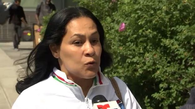 [TLMD - NY] Madre de Junior exige no más tratos para acusados