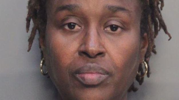 Enfermera acusada de negligencia y abuso infantil