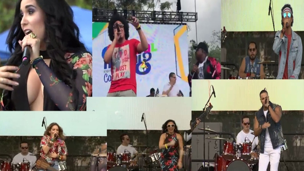 Los artistas en el escenario de Telemundo 51