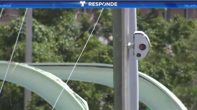 Conductores se quejan por multas de luz roja