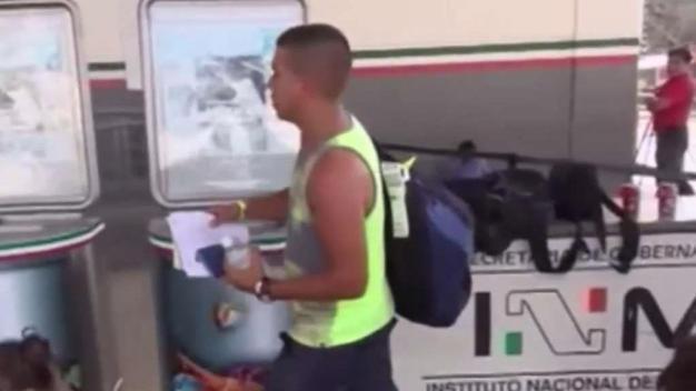 Cubanos deberán esperar del lado mexicano