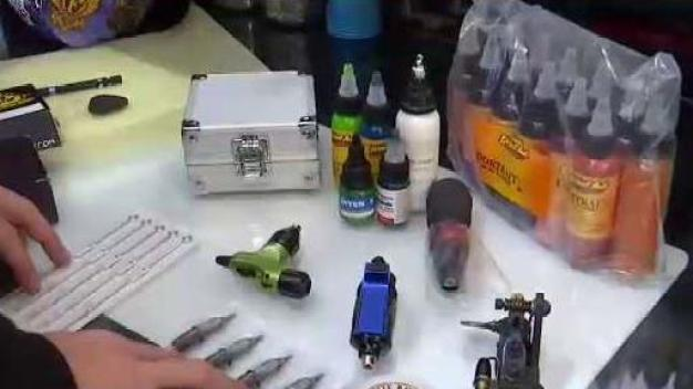 Envían a Cuba instrumentos para realizar tatuajes