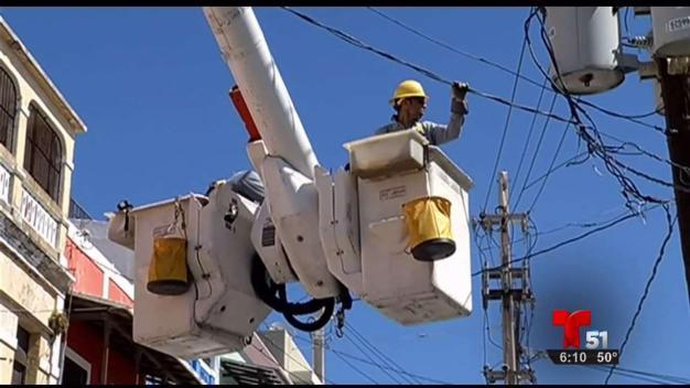 FPL ayuda a Puerto Rico a restablecer energía