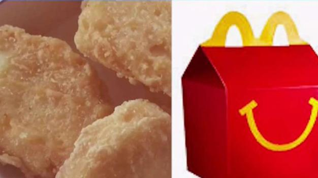 Familia demanda a McDonalds por pollo muy caliente