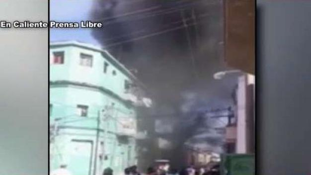 Incendio consume taller automotriz en La Habana