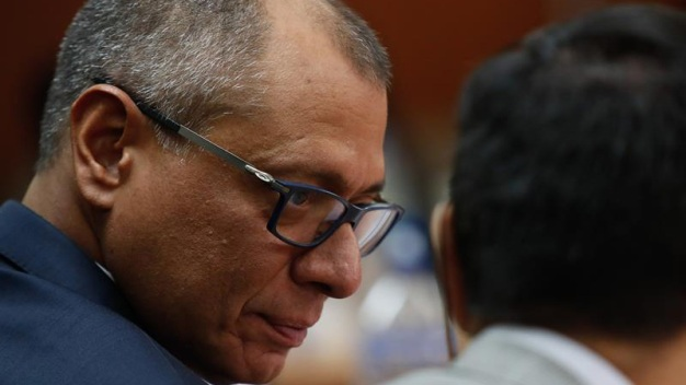 Vicepresidente de Ecuador es condenado a seis años de cárcel