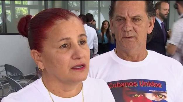 Proyecto de ley busca la reunificación familiar de los cubanos