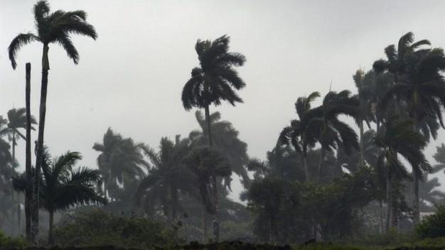 Dominicana bajo vigilancia de huracán por Irma