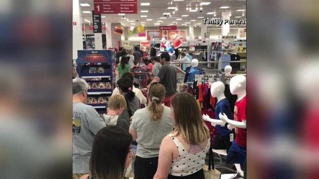Caos en tiendas de Target por caída del sistema de pago