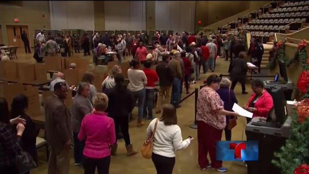 Trump trata de distanciarse de derrota en Alabama
