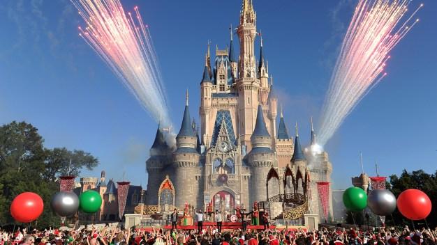 Disney lanza oferta para ahorrar en la entrada a sus parques}