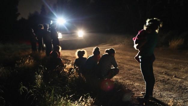 ¿Qué pasa con los niños separados de sus familias?