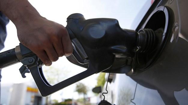 Hoy podrás echar gasolina en Miami a solo 99 centavos