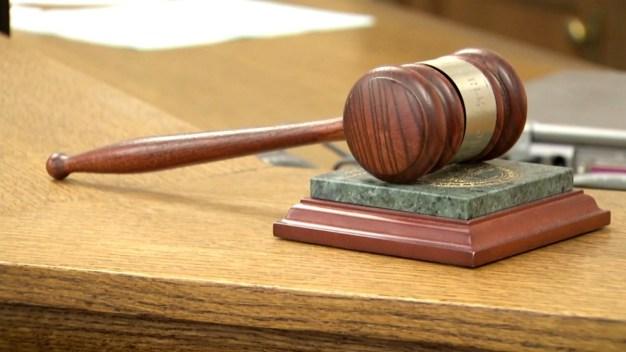 Macabro: Hallan pollos decapitados en un juzgado