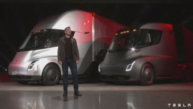 Tesla devela camión eléctrico y moderno descapotable