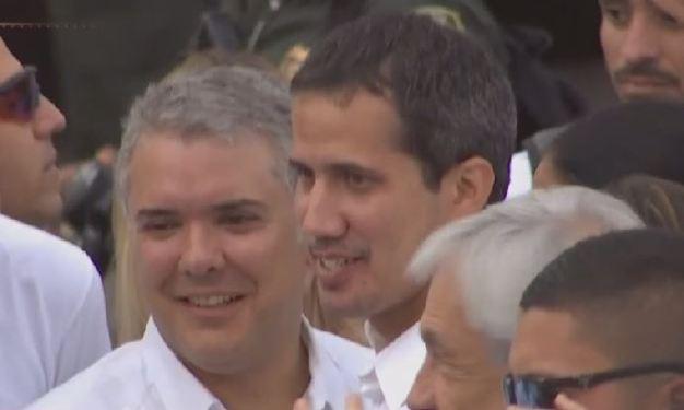 Juan Guaidó cruza la frontera y llega a Cúcuta