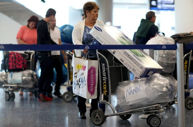 Cubanos repatriados perderían beneficios del Gobierno